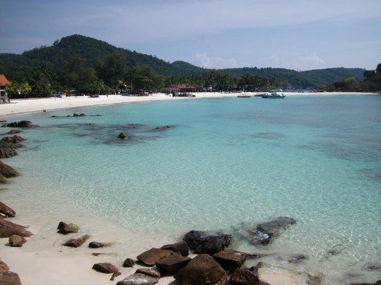 Laguna Redang Island Resort: La spiaggia del resort