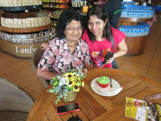 Seminyak Square Hotel: Happy B'day wish from my daughter Edel