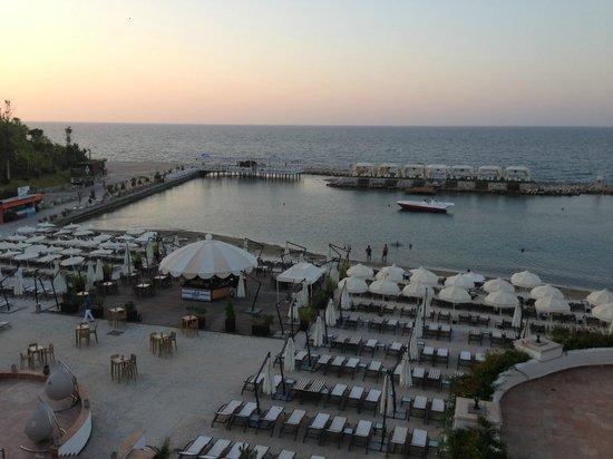 Cratos Premium Hotel, Casino, Port & Spa: 'beach' area