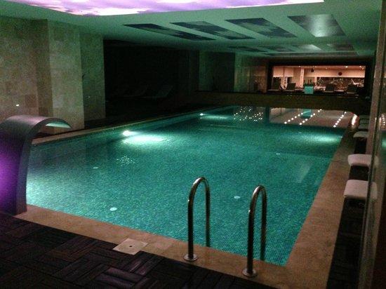 Cratos Premium Hotel, Casino, Port & Spa: indoor pool
