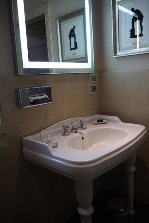Hotel Villa Carlotta : Salle de bains