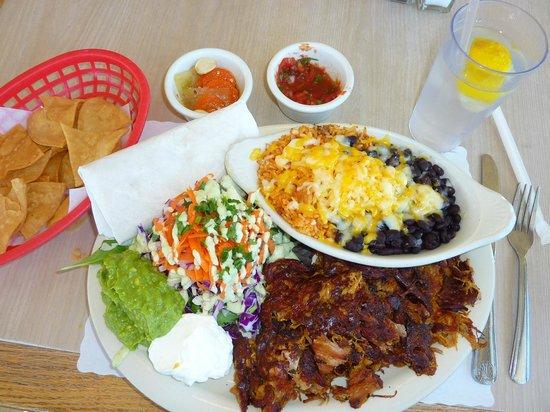 Taco Temple Morro Bay: Carnitas Plate - Crunchy yummy goodness!