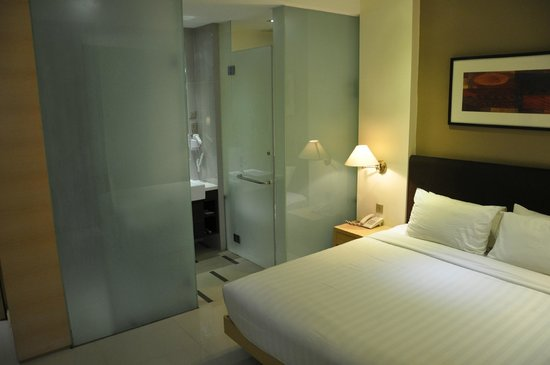 Sky Hotel Bukit Bintang: Seperate shower & toilet