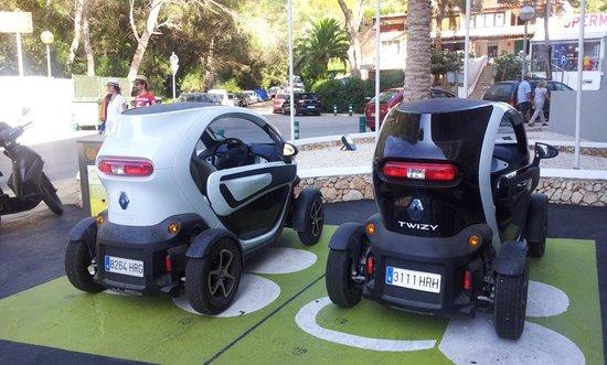 Artiem Audax Adults Only: E' anche possibile noleggiare quste auto elettriche