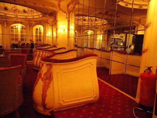 Grand Royale London Hyde Park: Bar