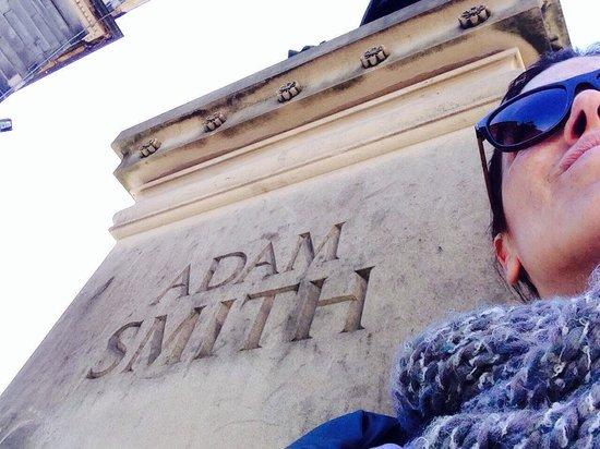 Edinburgh Old Town: Monumento al pensador Adam Smith
