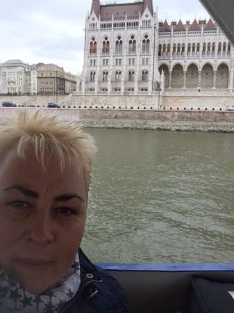 Big Bus Tours Budapest : parliment buildings