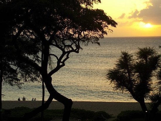 Kaanapali Beach Hotel: The view from our lanai