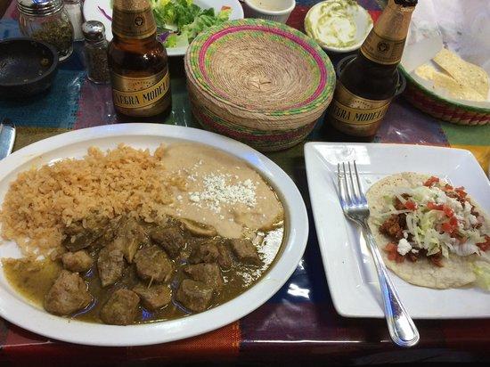 Sabroso! Mexican Grill: Delicious chile verde and al pastor taco!