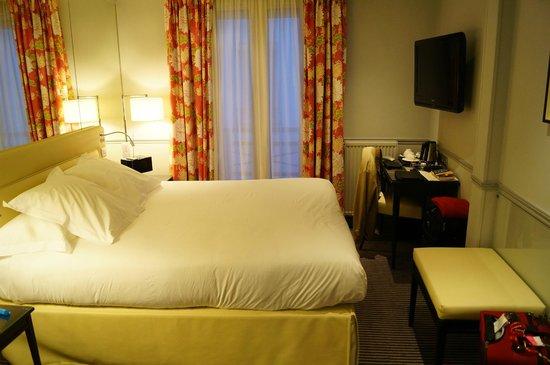 Hotel Relais Bosquet Paris: Sleeping area