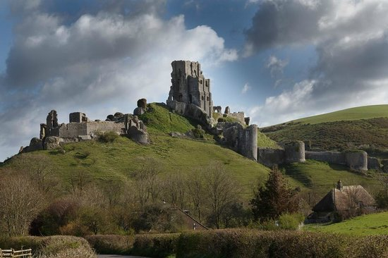 Bradle Farmhouse: Corfe Castle, nearby