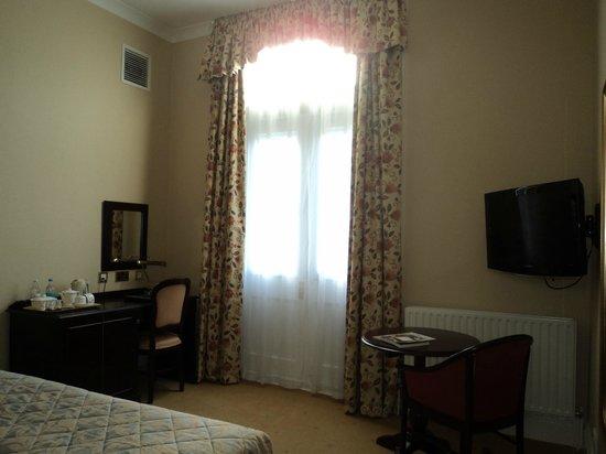 Oatlands Park Hotel: Classic Double room