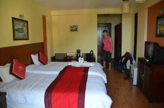 Sapa Elegance Hotel: Lit immense