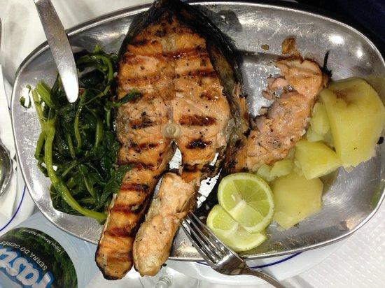 Restaurante Rio Coura: Salmone grigliato