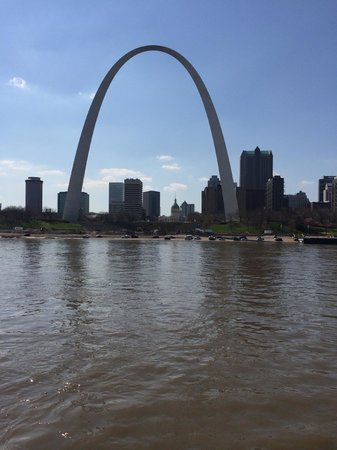 The Gateway Arch : Gateway Arch from the Riverboat