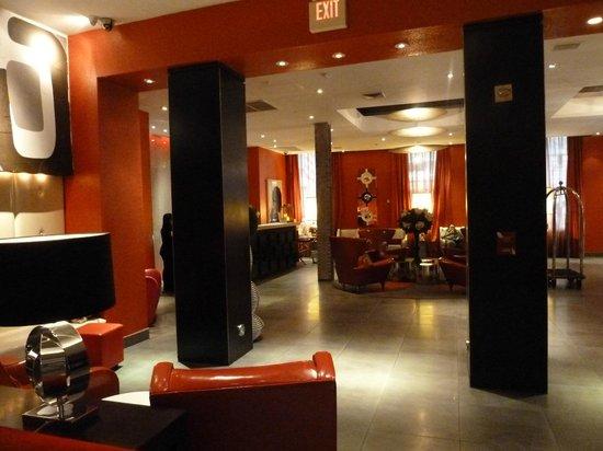 Ameritania Hotel : The lobby