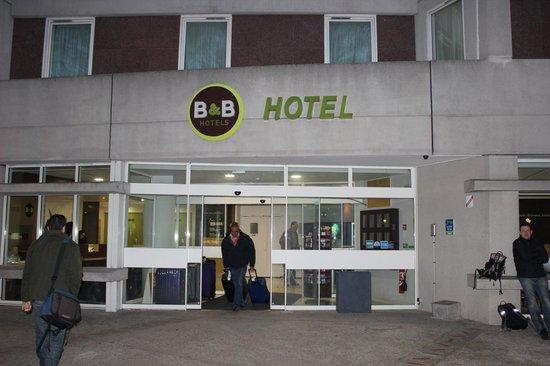 B&B Hotel Paris Malakoff Parc des Expositions : Fachada