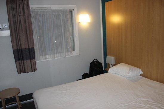 B&B Hotel Paris Malakoff Parc des Expositions : Dormitorio