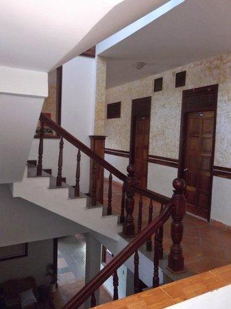 Thinh Vuong Hotel: Hallway