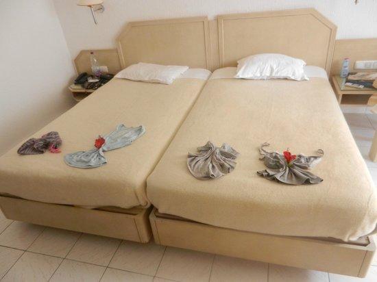 Djerba Golf Resort & Spa: pliage de pyjama