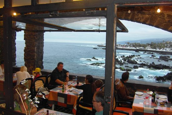 Be Live Adults Only Tenerife: Pomodoros restaurant, Town centre