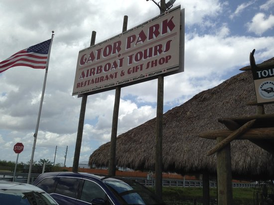Gator Park : Welcome sign