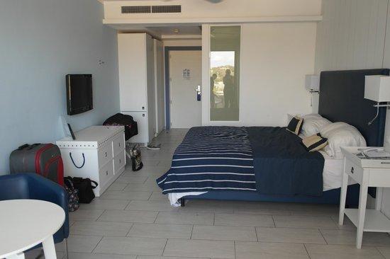 db Seabank Resort + Spa : The inside of the room