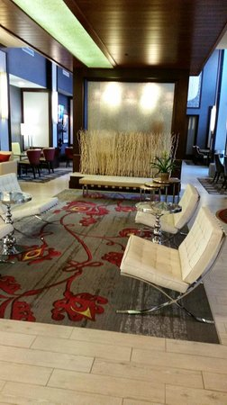 Hampton Inn & Suites Chattanooga/Hamilton Place : Lobby/Sitting area