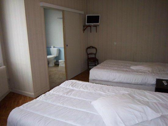 LE COLBERT : chambre lits jumeaux