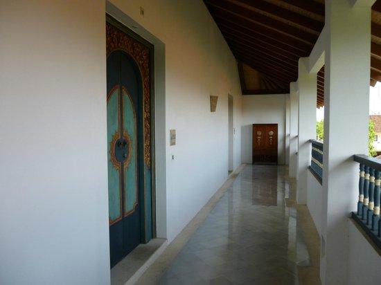 Sudamala Suites & Villas: Hallway