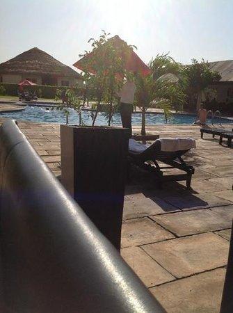 The Aknac Hotel : poolside