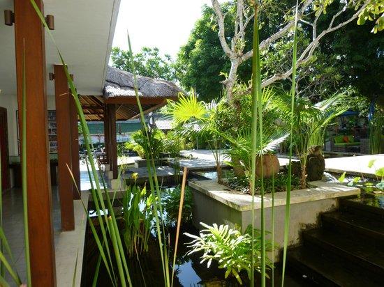 Sudamala Suites & Villas: Front of Building