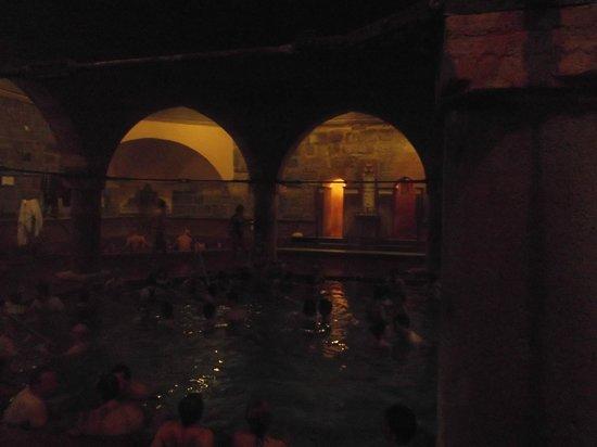 Rudas Baths: Piscina centrale Rudas