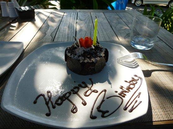 Sudamala Suites & Villas: Birthday Cake