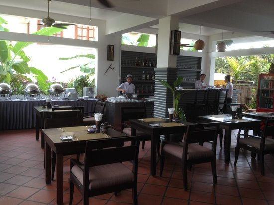 Diamond D'Angkor Boutique: Restaurant/Lobby are