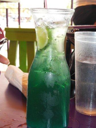 Iguana Joe's Caribbean Bar & Grill: Great Drink