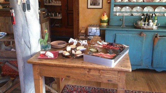 La Meridiana - Hotel du Cadrain Solaire : Breakfast room