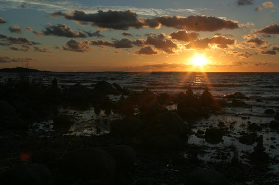 Grand Traverse Lighthouse Museum: Sunset at Grand Traverse Lighthouse