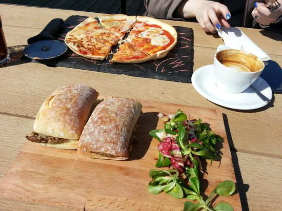 Cafe Sia: 6 Scottish Cheese pizza, haggis and cheese melt and a capuccino... all in the sun too!!