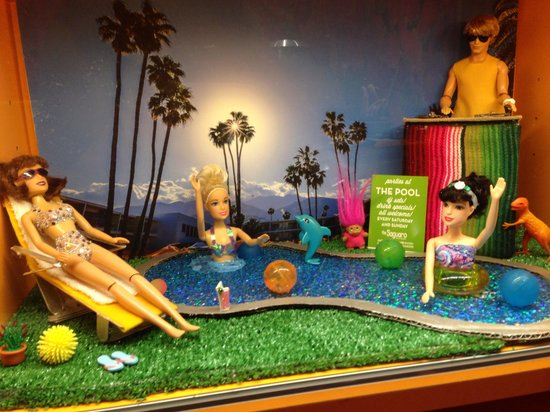 The Saguaro Palm Springs: Barbie hotel