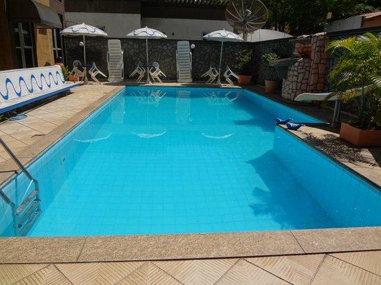 Pousada Praia Da Costa: Deliciosa piscina, muito bem cuidada