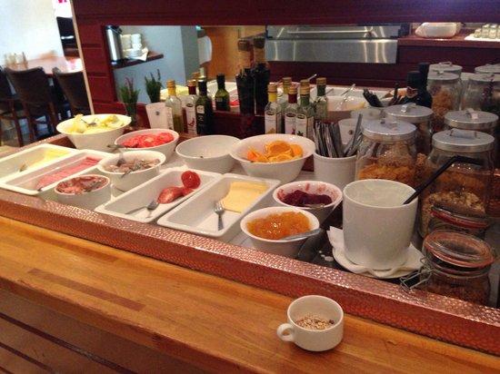 22 Hill Hotel: une partie du buffet du petit dejeuner
