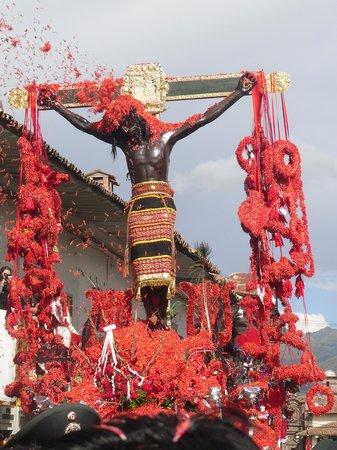 Centro Historico De Cusco: señor de los temblores