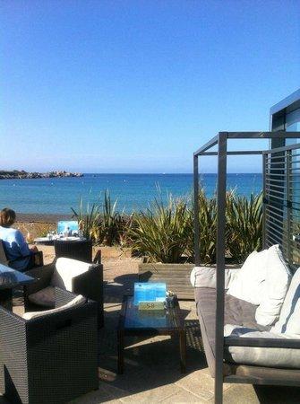 The Beach House: Sea View 2