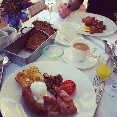 Titchwell Manor Hotel: Breakfast