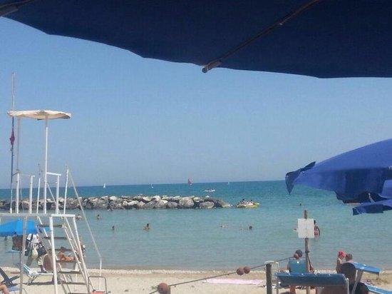 Hotel Caraibi : Sotto l'ombrellone