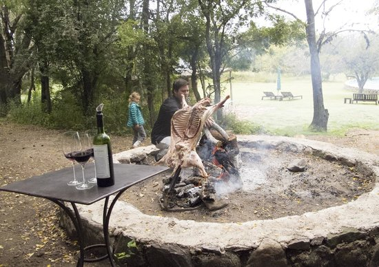 Dos Lunas Horse RIding Lodge : A special Argentine BBQ they prepared for lunch one day