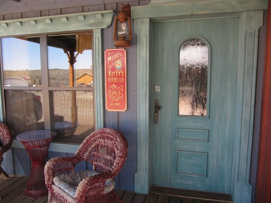 Tombstone Monument Ranch : Entrance to the Miss Kitty Room