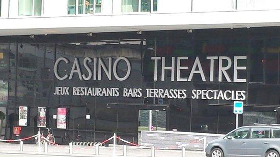 Hôtel Barrière Lille : Entrée extérieur casino