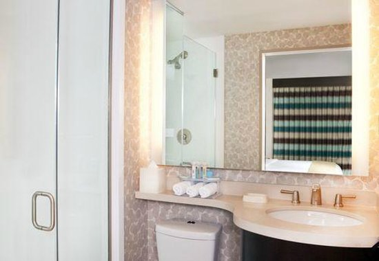 Holiday Inn Express Manhattan Times Square South: Bagno